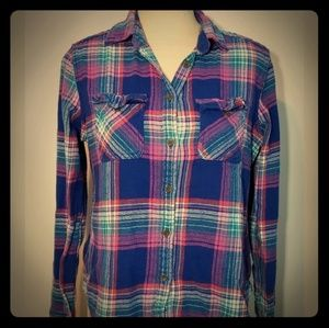 Women's American Eagle Button Down Flannel Shirt!
